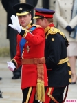 royal-wedding-prince-william-harry-arrive-3-435x580