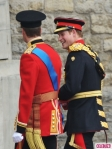 royal-wedding-prince-william-harry-arrive-435x580