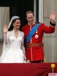 Royal-Wedding-William-and-Kate-Kiss-3-435x580