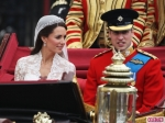 Royal-Wedding-William-and-Kate-Leave-as-Prince-and-Princess-3-580x435