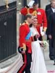 Royal-Wedding-William-and-Kate-Leave-as-Prince-and-Princess-4-435x580
