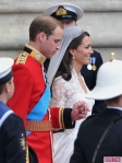 Royal-Wedding-William-and-Kate-Leave-as-Prince-and-Princess-435x580